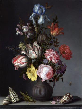 029.55 Bloemen in vaas met schelpen en insecten
