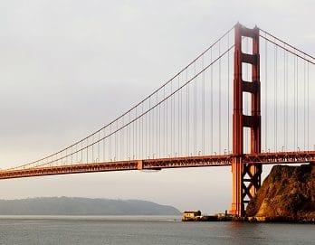 033.05 Dat is wel een hele lange brug