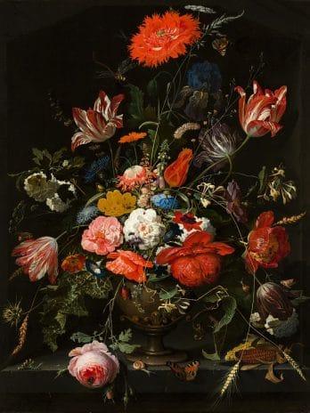 055.11 Bloemen in een metalen vaas