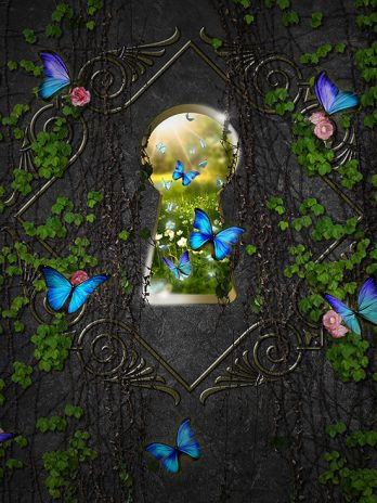 Sleutelgat met blauwe vlinders – Fantasie